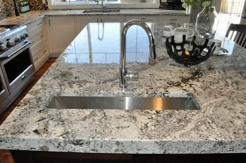 Alaska White granit