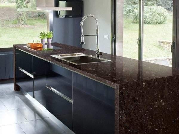 Marron Cohiba granit